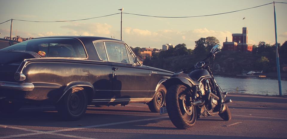 Au service de la passion pour les voitures et les motos